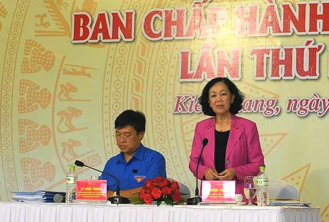 Madam Truong Thi Mai emphasised that the movements and activities of the Youth Union must be practical and efficient
