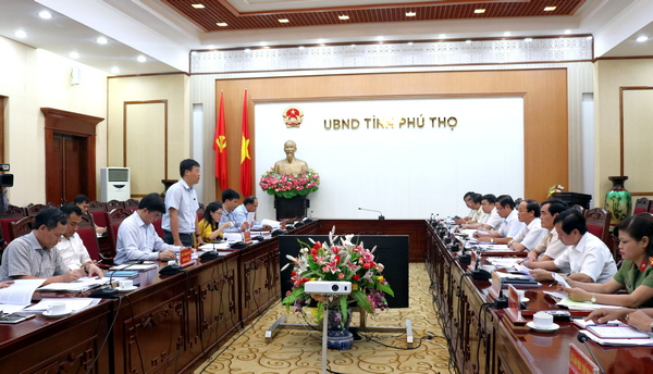 Overview of the meeting at headquarters of Phu Tho People's Committee