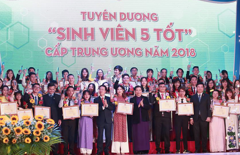"""Student of Five Merits"" and ""Star of January"" 2018 at Central level are honored"