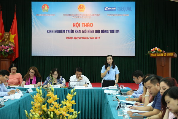 Ms. Nguyen Pham Duy Trang, Head of Children Affairs Committee of the Ho Chi Minh Communist Youth Union speaking at the workshop