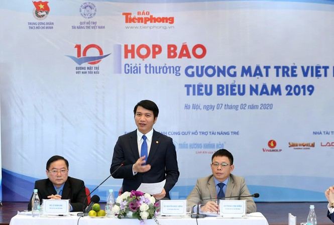 Mr. Nguyen Ngoc Luong delivered a speech