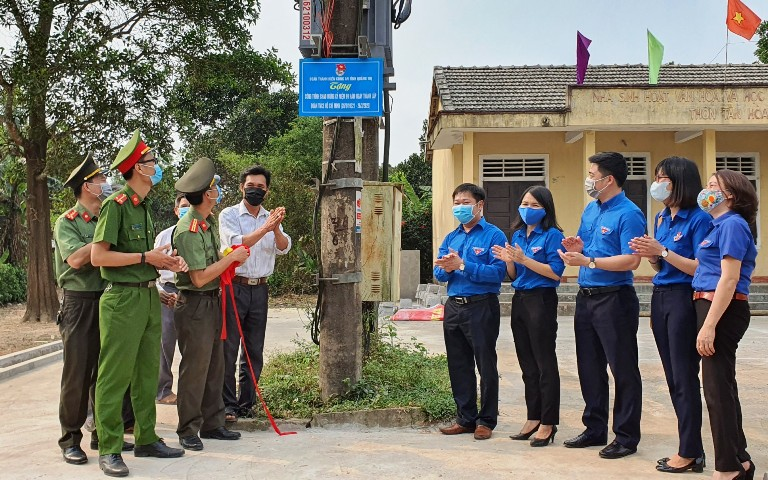 "Inauguration of the project ""Light in the countryside"" in Cam Lo, Quang Tri"
