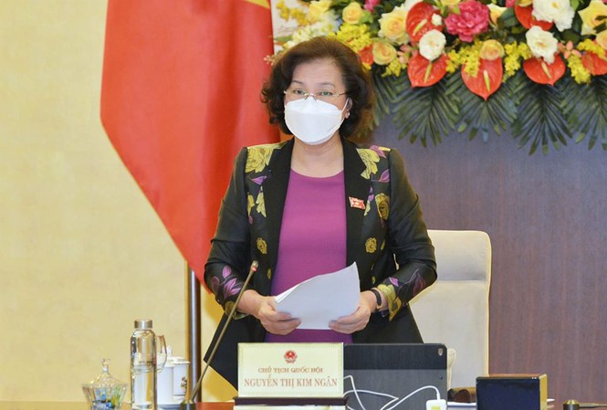 Chairwoman of the National Assembly Nguyễn Thị Kim Ngân speaking at the meeting