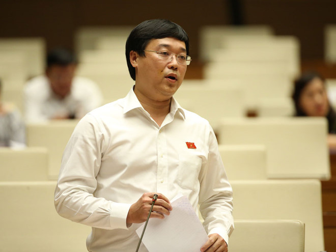 Mr. Le Quoc Phong speaking at the conference