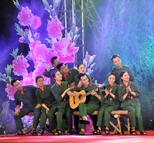 The soldiers perform at the event in Lang Son