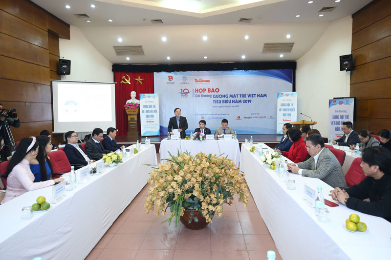 "The press conference introducing the voting activity and honoring the ""Vietnam Outstanding Young Citizens"" Award 2019"
