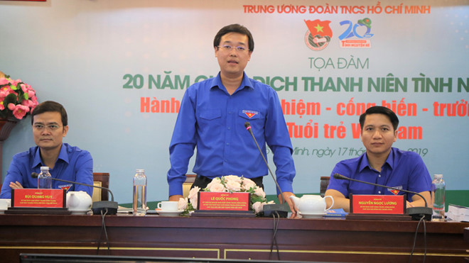 Mr. Le Quoc Phong, Alternate Member of the CPV Central Committee, First Secretary of the HCYU, Chairman of the Viet Nam Youth Federation chaired the seminar
